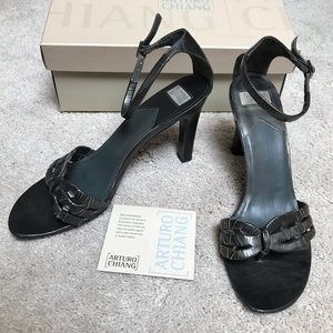 Arturo Chiang Leather Sandals